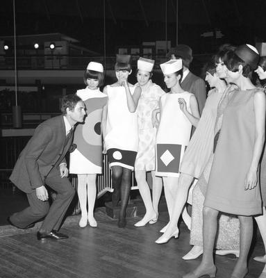Pierre Cardin and some of his models (PA)