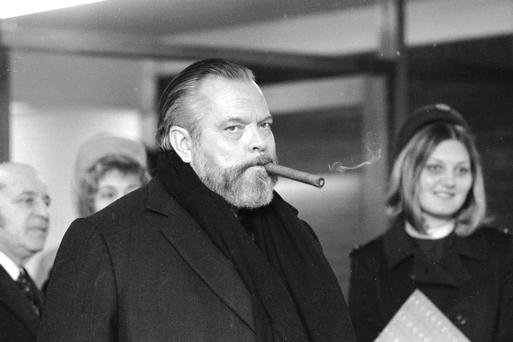 Artistic vagabond: Orson Welles at Heathrow Airport in 1971. (Photo by Central Press/Getty Images)