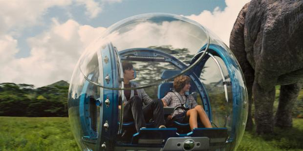 Jurassic World: easy to watch and pretty entertaining
