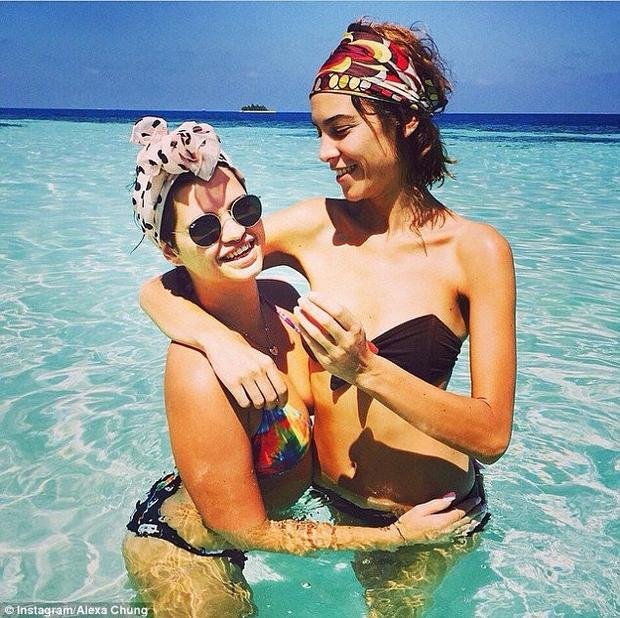 Pixie Geldof pictured with best friend Alexa Chung on vacation