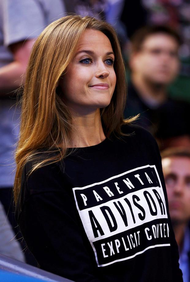 Kim Sears makes a point with her t-shirt
