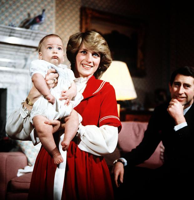 Diana and Charles at Buckingham Palace with baby William in 1982