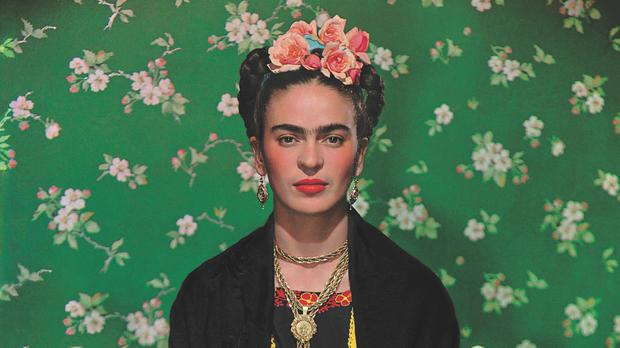Frida On The Bench (1939), photograph by Nickolas Muray (Nickolas Muray Photo Archives)