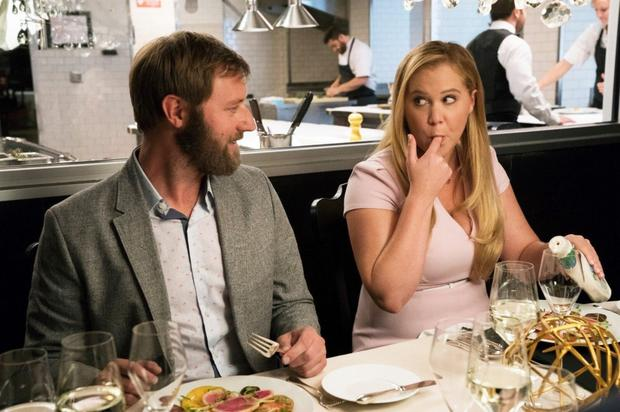 Rory Scovel and Amy Schumer in I Feel Pretty