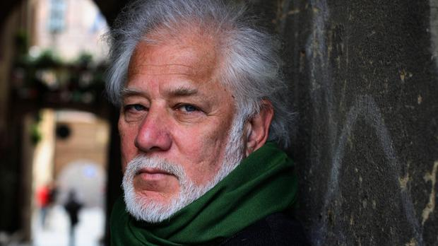 Ondaatje's The English Patient wins Golden Man Booker Prize (Basso CANNARSA/Opale)