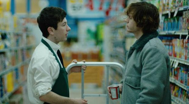 Barry Keoghan with Even Peters in heist drama 'American Animals'