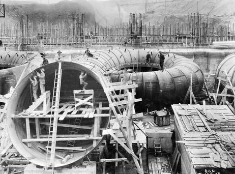 Constructing the spiral casings in June 1926. PHOTO: ESB archive