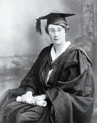 Dorothy Stopford's graduation at Trinity College Dublin in April 1921. (Reproduced by kind permission of TCD)