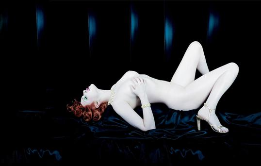 The model Sophie Dahl posed nude in 2000 for this ad for the perfume Opium. The ad was removed from UK billboards after complaints were made to the British Advertising Standards Authority.
