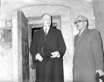 President Eamonn de Valera on a visi to Kilmainham Jail in the 1960s