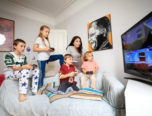 Game night: Mary McCarthy with her children John (11) Alexandra (9), Dermot (7) and Aris (3) as they play Minecraft during the lockdown at their home in Ranelagh, Dublin. Picture by Frank McGrath