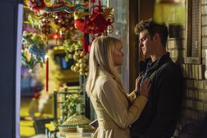 Kelly Stone in a scene with Andrew Garfield.