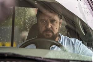 Russell Crowe is perfect as a deranged and aggrieved driver in Unhinged, who chases down Caren Pistorius