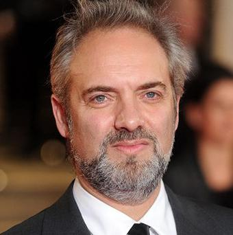 Sam Mendes has ruled himself out of the running to take over the National Theatre