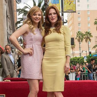 Julianne Moore with Chloe Grace Moretz on the Hollywood Walk of Fame