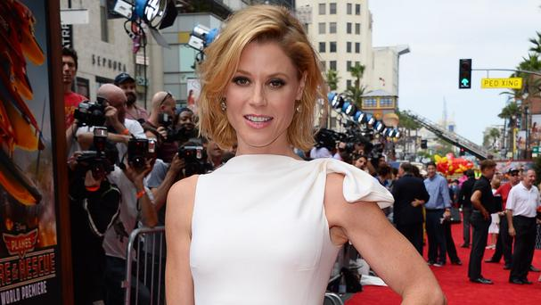 Julie Bowen is the voice of Lil' Dipper in Planes: Fire And Rescue