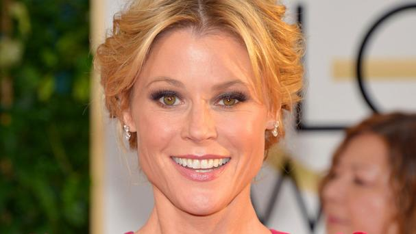 Julie Bowen voices Lil' Dipper in Planes: Fire & Rescue
