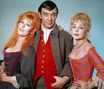 Richard Johnson with Kim Novak and Lilli Palmer in The Amorous Adventures Of Moll Flanders (Allstar Picture Library)