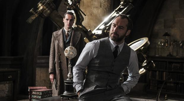 Jude Law's Dumbledore seen in first trailer for Fantastic Beasts sequel (Warner Bros. Entertainment Inc)