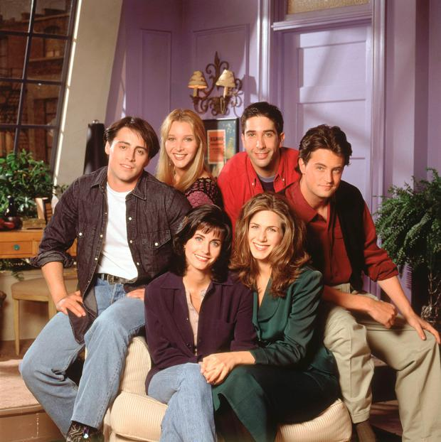 Jennifer Anniston with the cast of Friends.