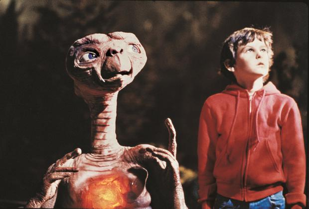 Phone home: Grab the tissues, ET and Elliott are on New Year's Day
