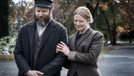 Seth Rogen demonstrates his acting chops with Sarah Snook in 'An American Pickle