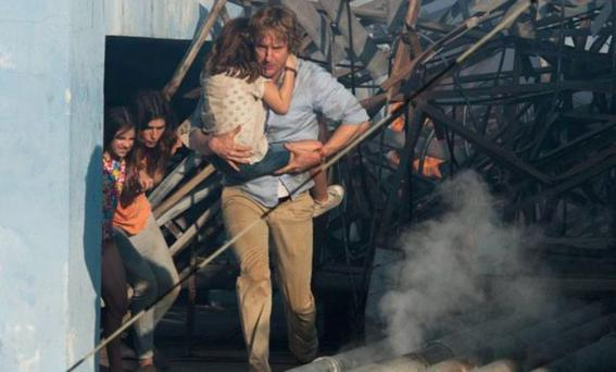 Owen Wilson, Lake Bell, Sterling Jerins and Claire Geare in No Escape