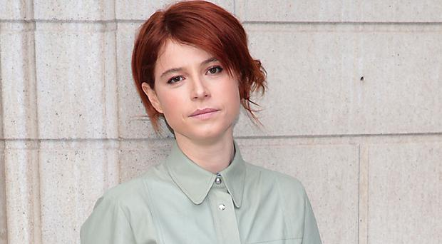 Jessie Buckley goes for glory