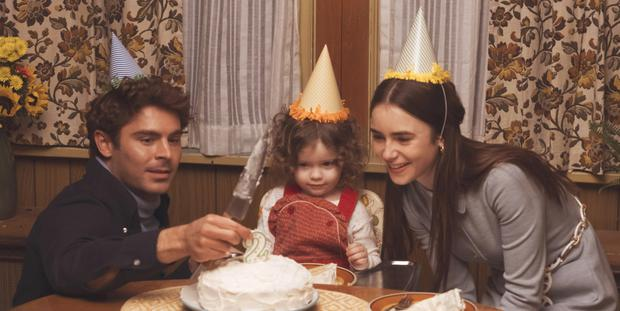 Zac Effron, Macie Carmosino and Lily Collins in Extremely Wicked, Shockingly Evil and Vile