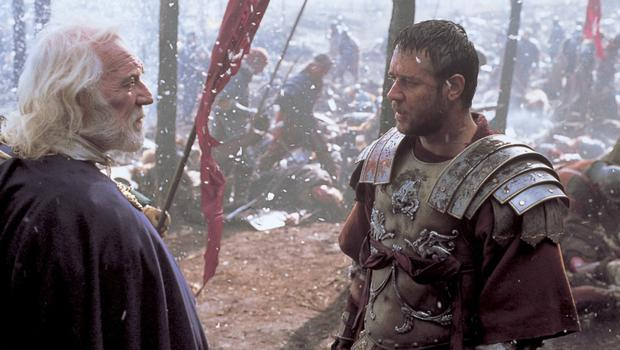"""Richard Harris and Russell Crowe in Gladiator. Crowe says Harris """"filled me with a certain type of confidence""""."""