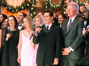 Sharon Corr at the White House with Bill Clinton in 2000