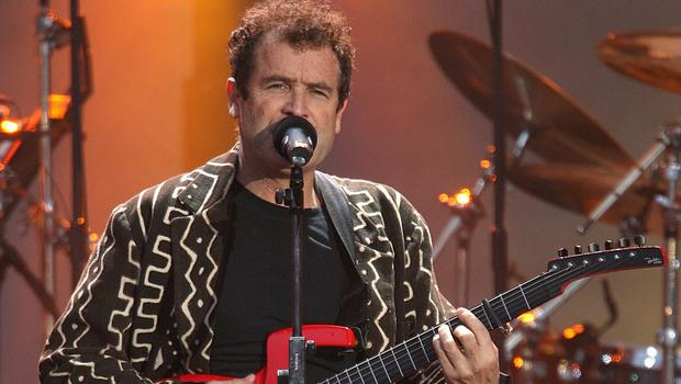 Johnny Clegg experiments with Western and Zulu lyrics and sounds, combined in music