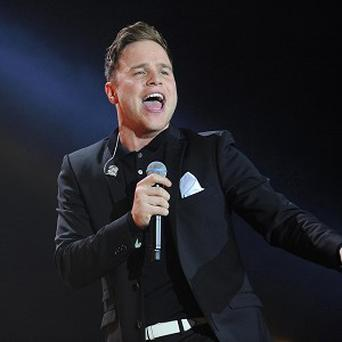 Olly Murs took a tumble in Cardiff