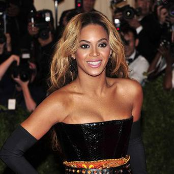 Beyonce doesn't use her normal voice to sing to her daughter