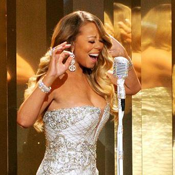 Mariah Carey dislocated her shoulder on a video shoot