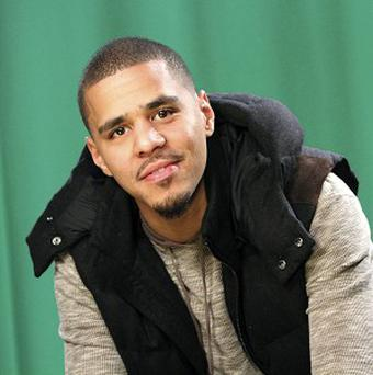 Rapper J Cole has apologised to those with autism and their families for an offensive lyric