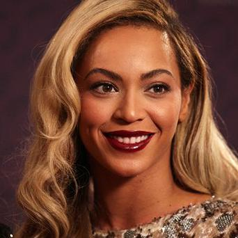Beyonce turned up at the karaoke bar with her husband and ex bandmates