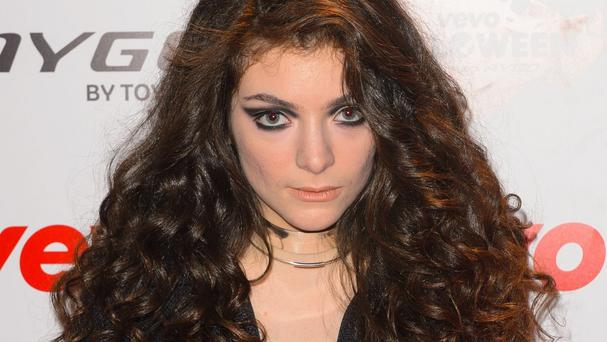 Lorde will take a break from gigging on the back of advice from her parents.