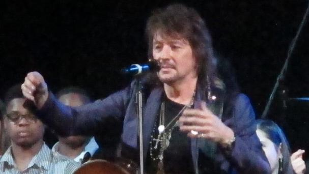 Richie Sambora performed a new song at an anti-drugs forum in New Jersey