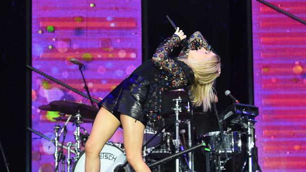 There appeared to be scuffles at an event in Glasgow while Ellie Goulding was performing