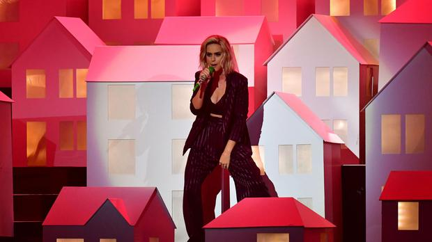 Watch Katy Perry S Falling House Dancer Is The Real Star Of The