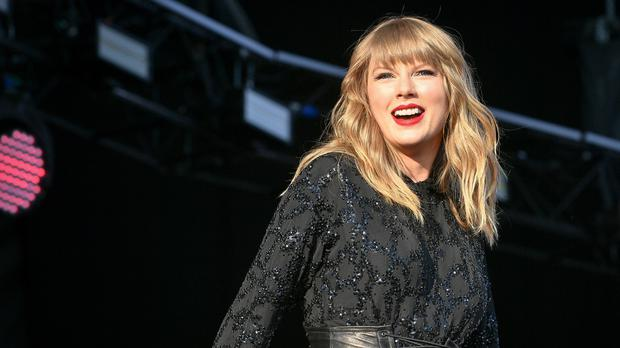 Taylor Swift Drops In On Engagement Celebration And Serenades Couple