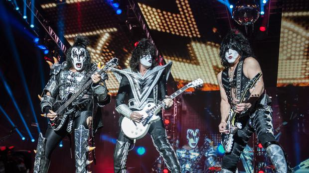 Rock band Kiss to perform under the sea for great white sharks