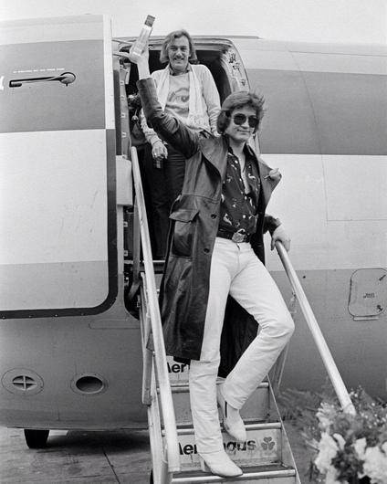 Shay Healy and Johnny Logan arrive home to Dublin victorious after the 1980 Eurovision Song Contest