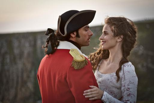Ross Poldark (Aiden Turner) and Elizabeth (Heida Reed)