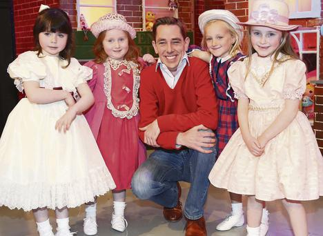 Ryan Tubridy with (from left), Keyla McMahon (5), Emily Talbot (5), Emma Boden (5) from Carlow and Ella McDonald (6)