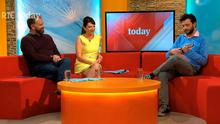 Kevin McGahern serenades Maura Derrane and Daithi O'Se on the Today Show