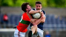 My ball: Des Kelly of Bray holds off the attentions of Rathnew's Sam O'Dowd during yesterday's Wicklow SFC clash at Aughrim. Photo: David Fitzgerald/Sportsfile