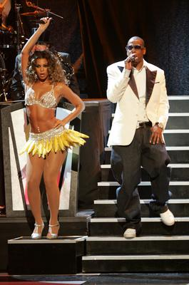 Beyonce Knowles and rapper Jay-Z perform onstage at Conde Nast Media Group's Third Annual Fashion Rocks Concert in 2006