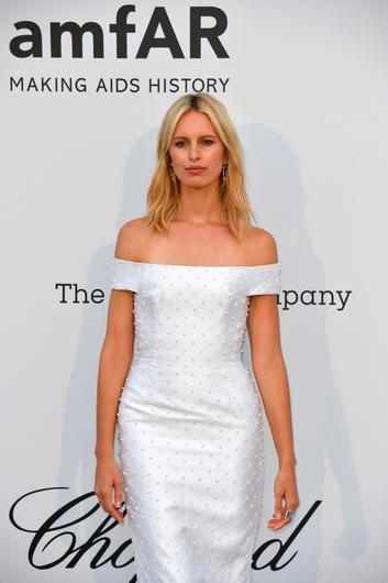 Czech model Karolina Kurkova poses as she arrives on May 23, 2019 for the amfAR 26th Annual Cinema Against AIDS gala at the Hotel du Cap-Eden-Roc in Cap d'Antibes, southern France, on the sidelines of the 72nd Cannes Film Festival. (Photo by Alberto PIZZOLI / AFP)